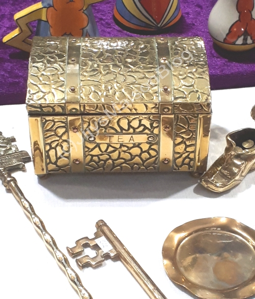 Gold AntiqueTea Box